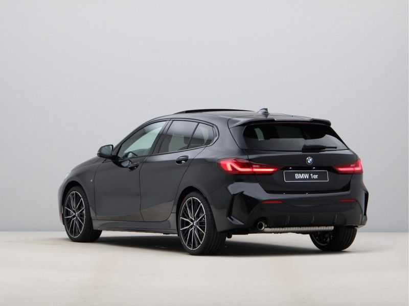 BMW 1 Serie 118i Corporate Executive M Sport afbeelding 9