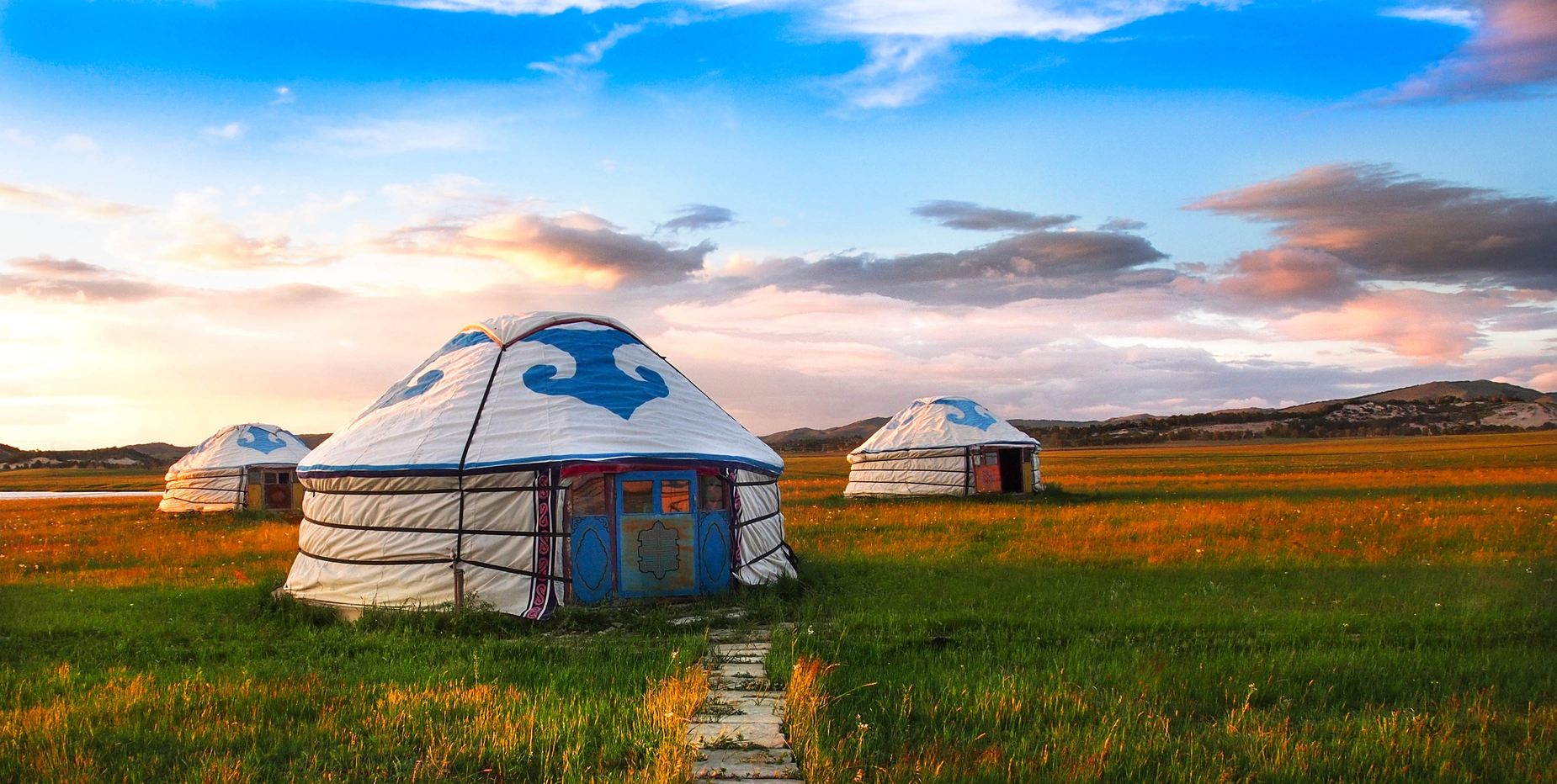 Mongolian huts during the day