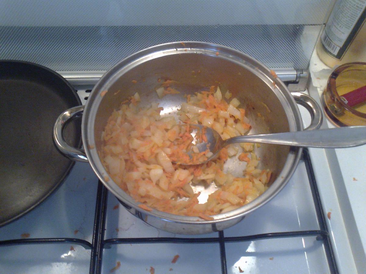 • Soffritto con burro, cipolla e carota