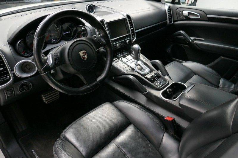 Porsche Cayenne 4.8 S Panoramadak afbeelding 17