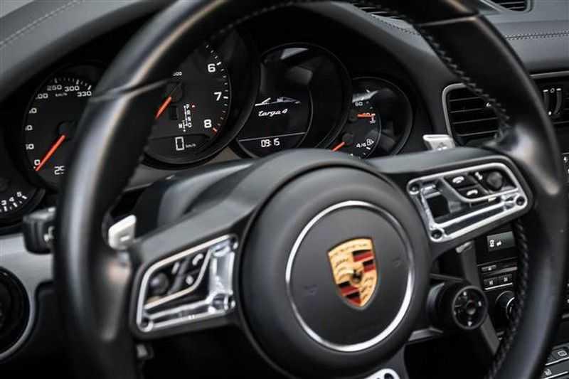 Porsche 911 TARGA 4 SPORT CHRONO+CAMERA+AKRAPOVIC afbeelding 12