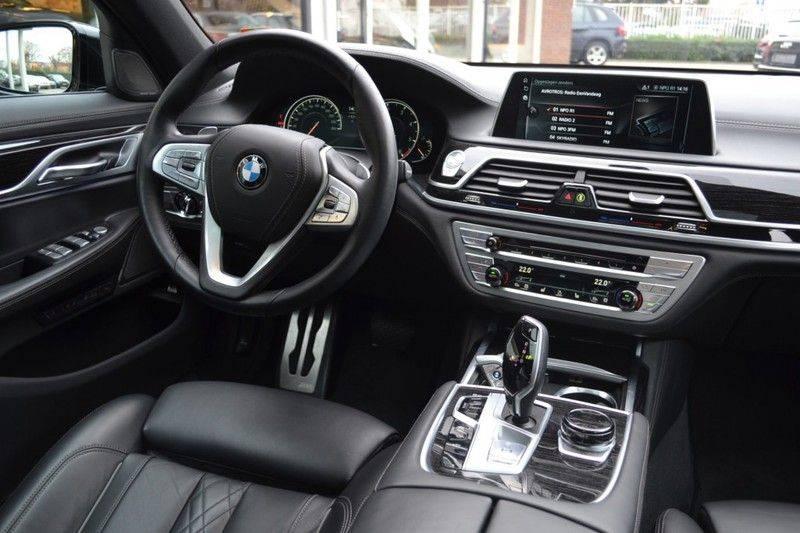 BMW 7 Serie 740d xDrive M sportpakket NP €165.000 afbeelding 5
