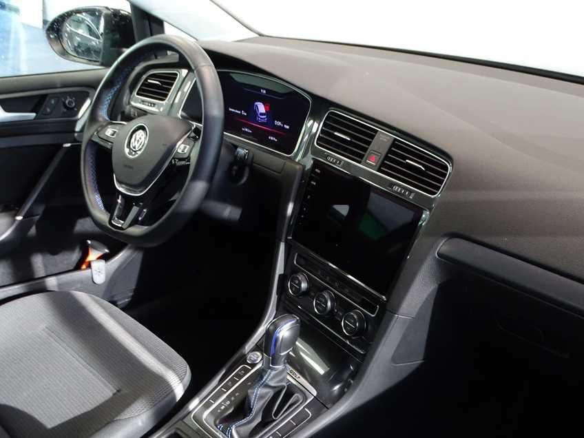 Volkswagen e-Golf e-Golf MARGE! LED Navigatie Clima Cruise Warmtepomp Virtual CP Camera afbeelding 17