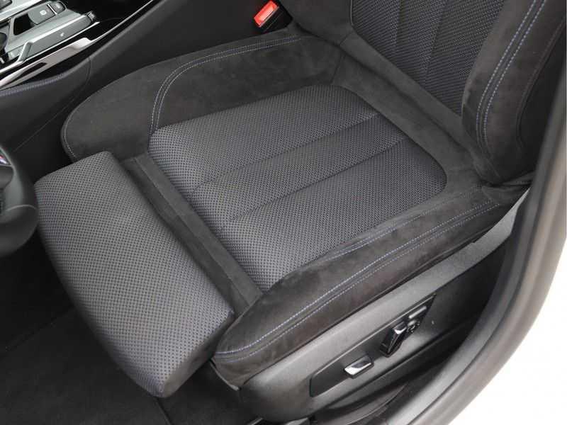 BMW 5 Serie Touring 520d High Executive M-Sport Aut. afbeelding 15