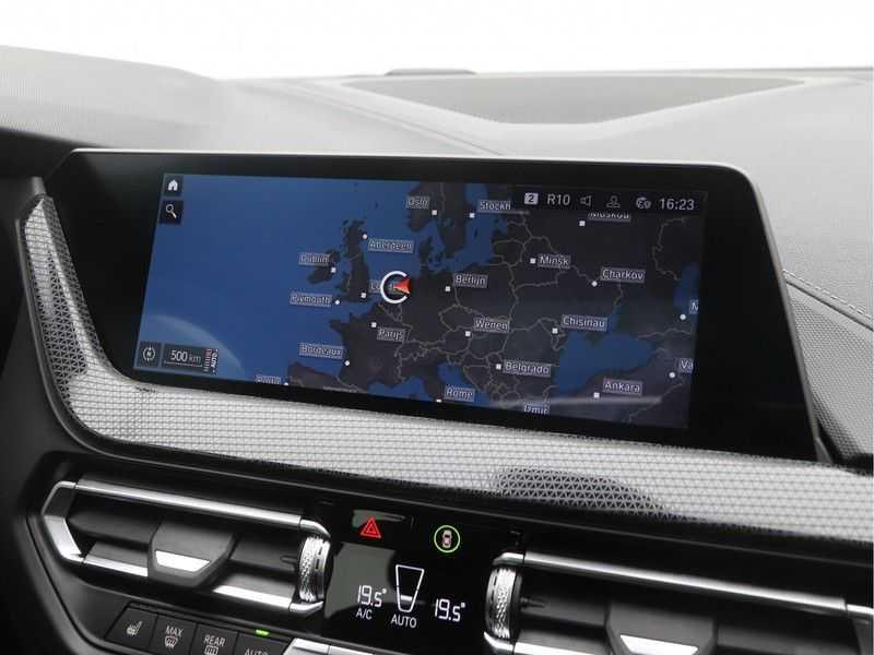 BMW 2 Serie Gran Coupé 220i High Executive Luxury Line Automaat afbeelding 18