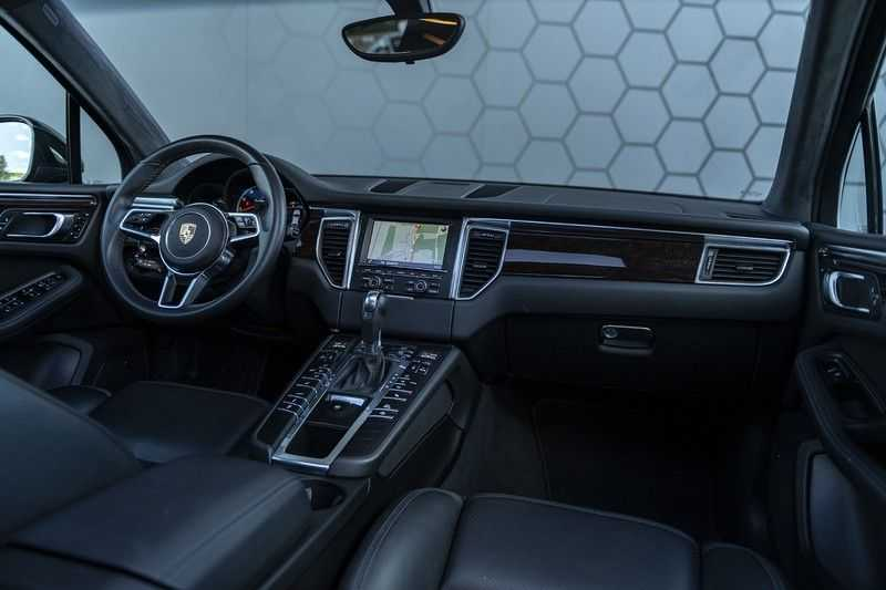 Porsche Macan Turbo + 47dkm! + Alcantara Hemel 400PK afbeelding 2