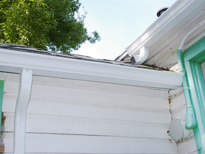 Gutter services such as gutter installation, cleaning, repair, seamless gutter installation, downspout installation by MDH Construction in Plymouth, MA