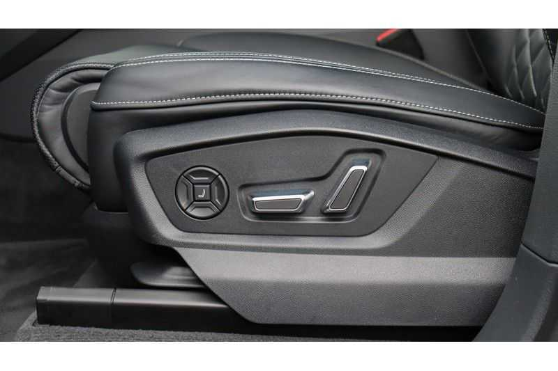 Audi Q8 55 TFSI quattro S-Line, Panoramadak, B&O, Massage, Ruitstiksel, Trekhaak afbeelding 7