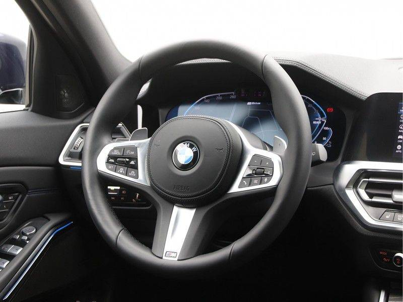 BMW 3 Serie Touring 330e xDrive High Executive M-Sport Automaat afbeelding 2