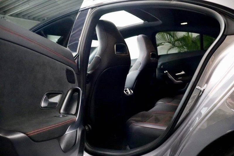 Mercedes-Benz CLA-Klasse 220 Premium Plus AMG|NIGHT|PANO|TREKHK Mercedes-Benz CLA-klasse 220 Premium Plus afbeelding 15