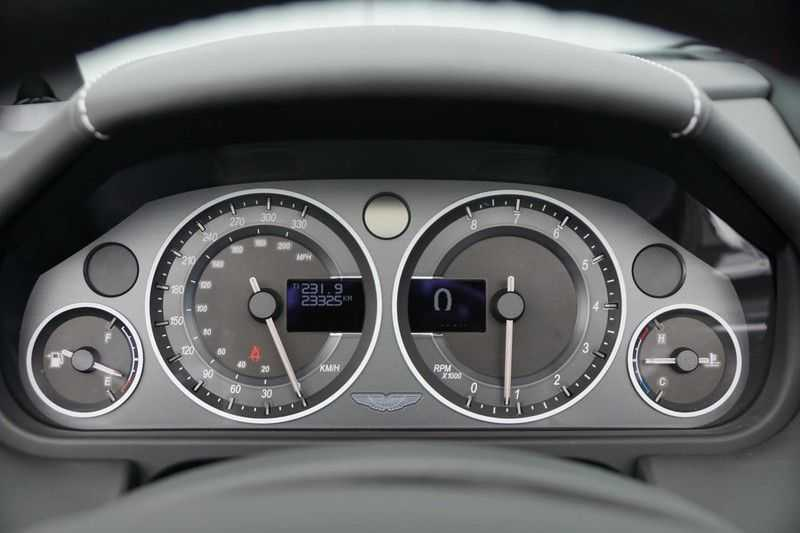 Aston Martin DBS Volante 6.0 V12 6-Speed Manual *!*Only 43 worldwide*!* afbeelding 12