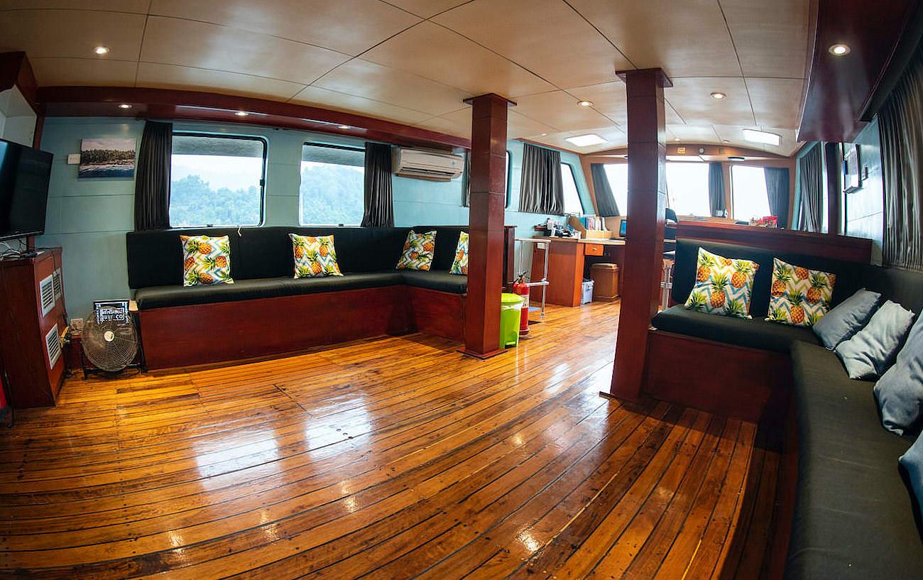 Sola Gracia Mentawaisurfco Surf Charter Boat Mentawai Islands lounge