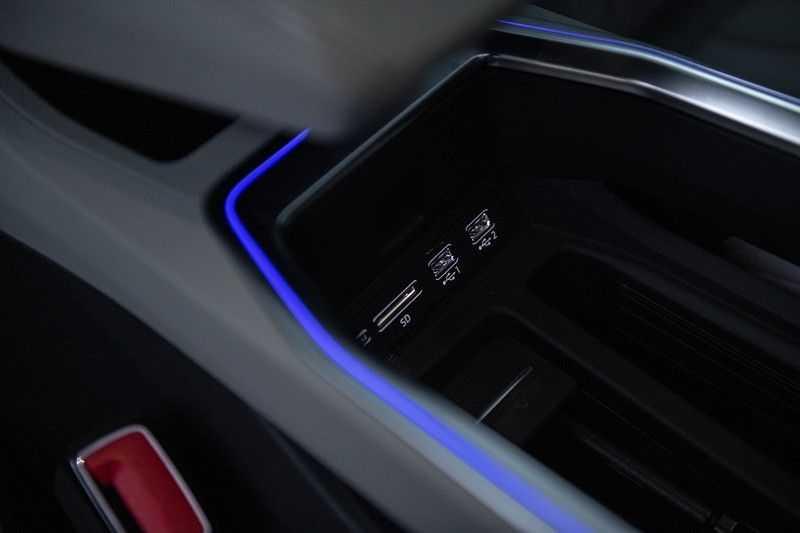 Audi E-tron 55 quattro Advanced Pro Line S NOVEMBER 2018!! € 146,- netto bijtelling pm! 4% bijtelling!! Massage + Head-up + Stoelkoeling afbeelding 4