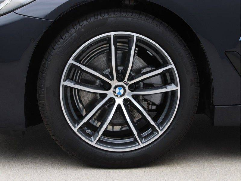 BMW 5 Serie 520i High Exe M-Sport Aut. afbeelding 22