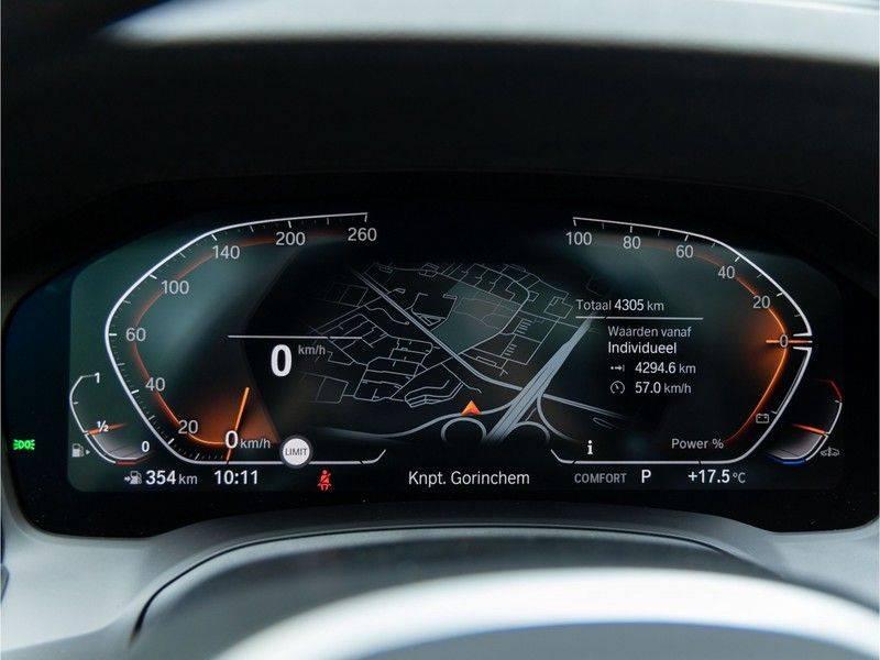 BMW 3 Serie Touring 330i M-Sport - Individual - Memoryzetels - Trekhaak - Panorama afbeelding 24
