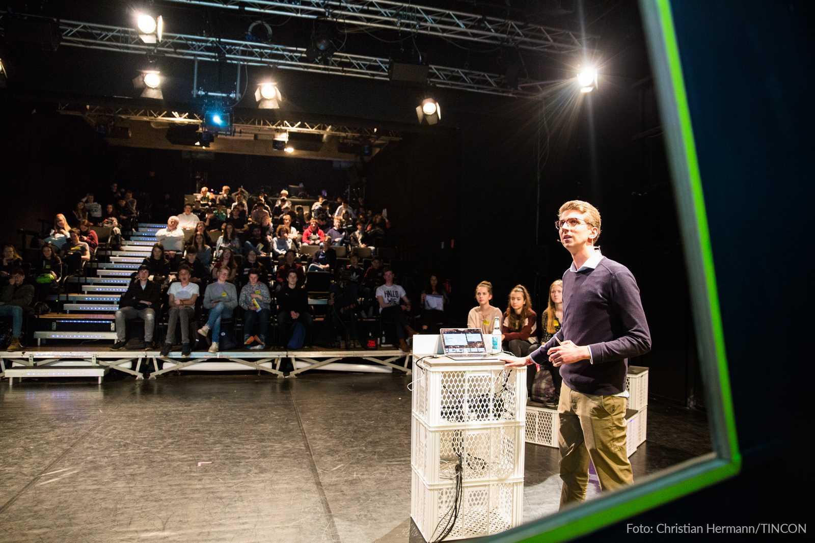 Limebit Evolutionary Deep Learning Präsentation auf der Tincon in Düsseldorf 2019