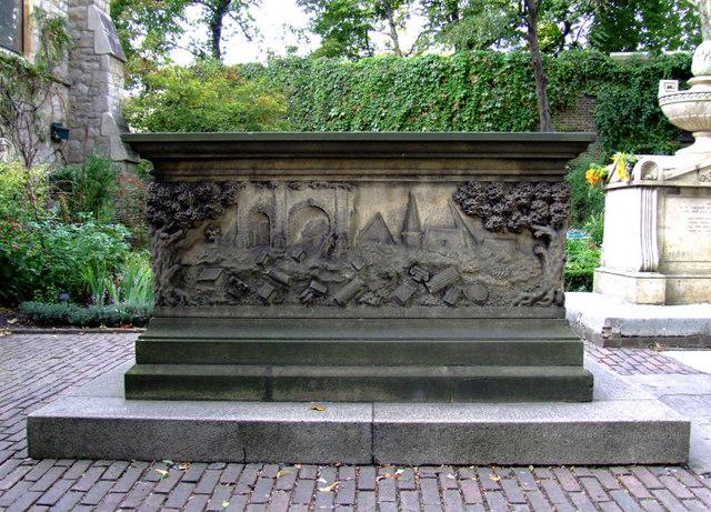 Tradescants Tomb Elder & Younger