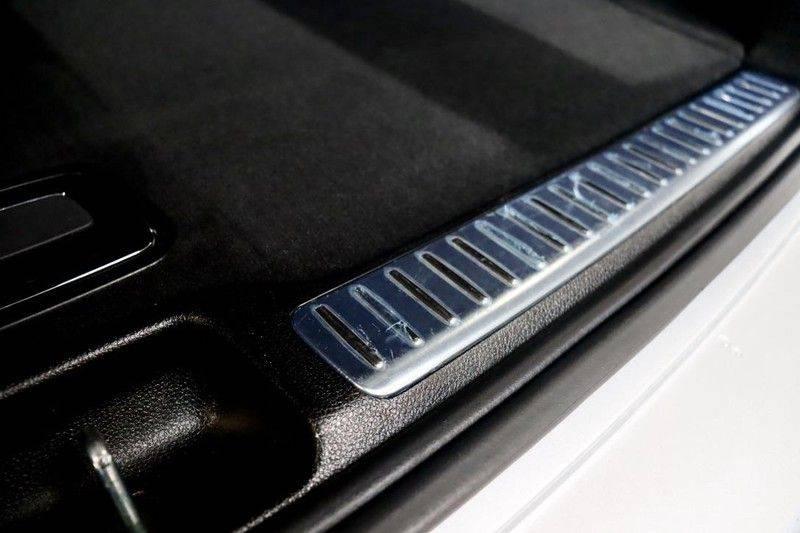 Mercedes-Benz GLC 250 4MATIC Premium Plus AMG PANO Night afbeelding 16