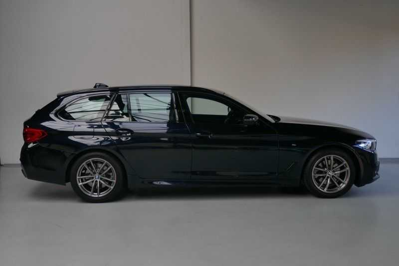 BMW 5 Serie Touring 520d High Executive M-pakket afbeelding 6