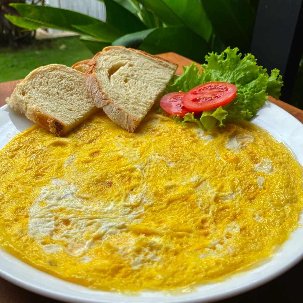 breakfast: plain omelette