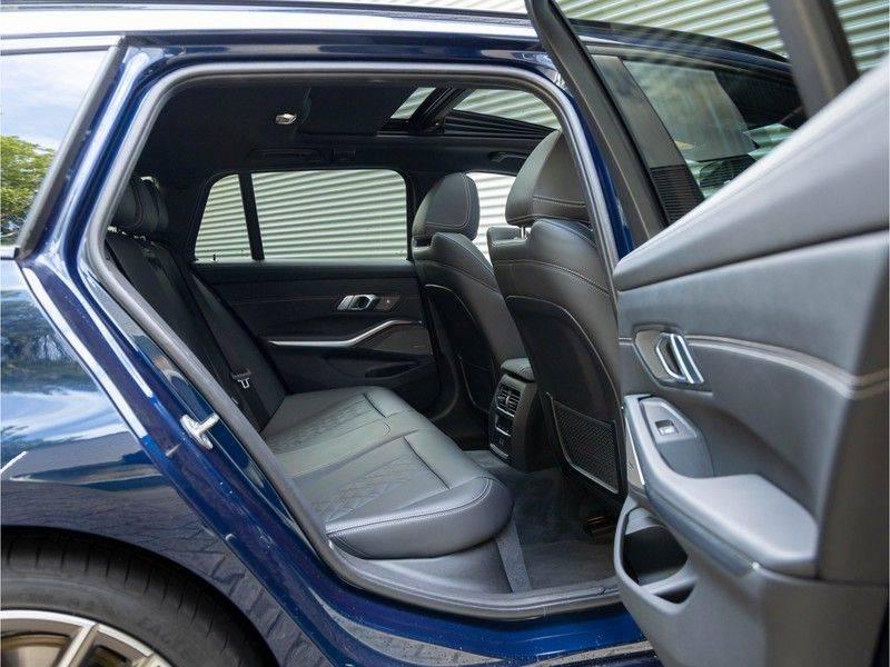 BMW 3 Serie Touring M340i xDrive Individual - Head-up - ACC - Harman Kardon - Panorama afbeelding 18