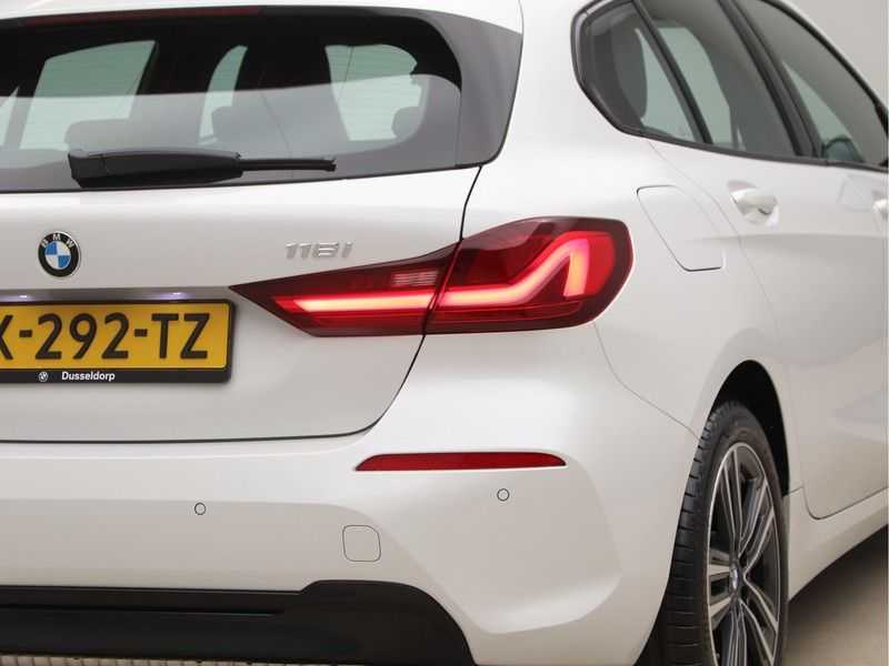 BMW 1 Serie 118i High Executive Edition Sport Line afbeelding 16