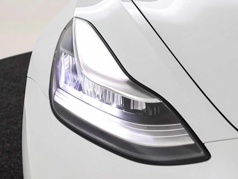 Tesla Model 3 Long Range All-Wheel Drive Performance Prijs is Incl. BTW   20'' grijze Performance-velgen   Performance upgrade   Performance remmen   Autopilot   afbeelding 22