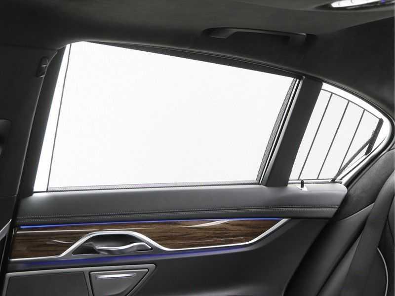 BMW 7 Serie 750i xDrive High Executive M-Sport afbeelding 17