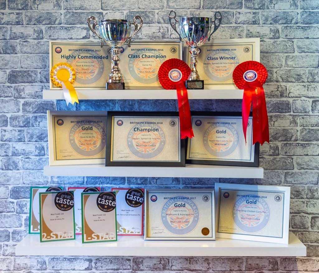 Mud awards display