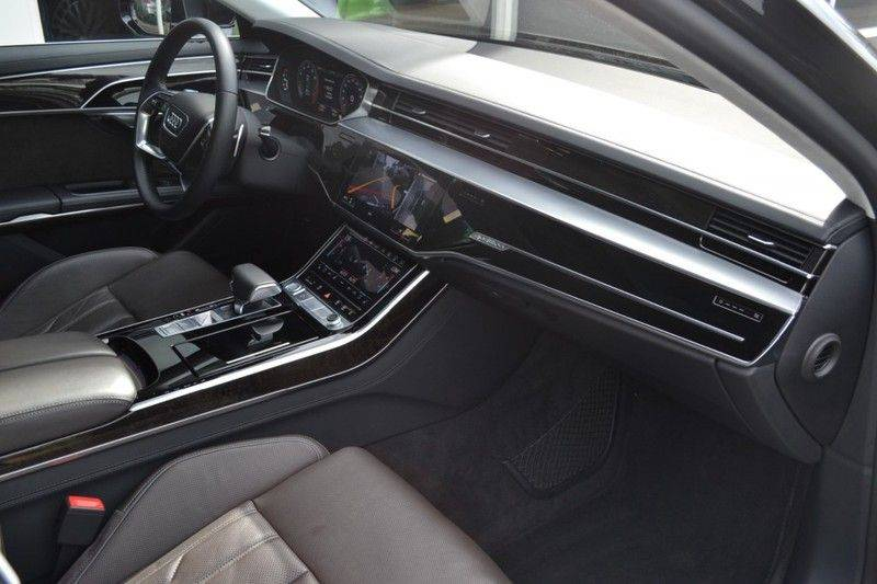 Audi A8 55 TFSI Massage / Head Up / Nachtzicht afbeelding 13