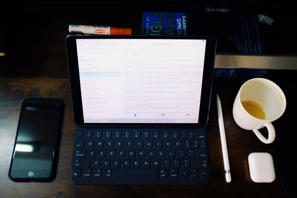 "iPad Pro — 10.5"""