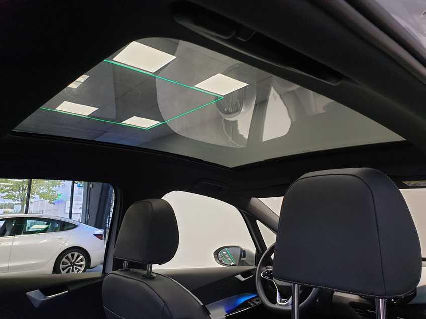 """Volkswagen ID.3 First Max 8% Bijtelling 20""""LM Panorama Massagestoelen afbeelding 18"""