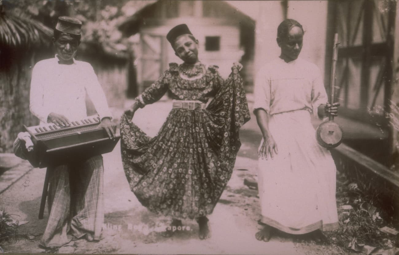 Indian musicians and dancing girl, 1900s