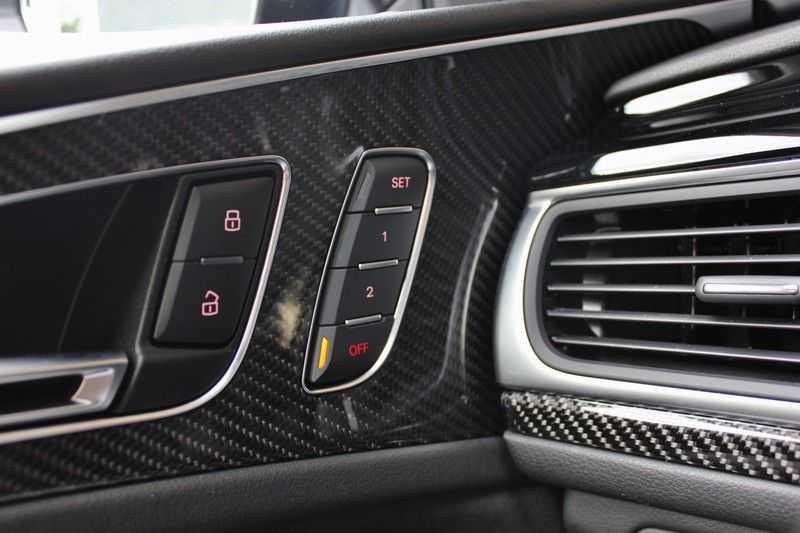 Audi RS6 4.0 V8 605pk Performance Quattro **Pan.dak/HUD/ACC/Camera/Carbon** afbeelding 21