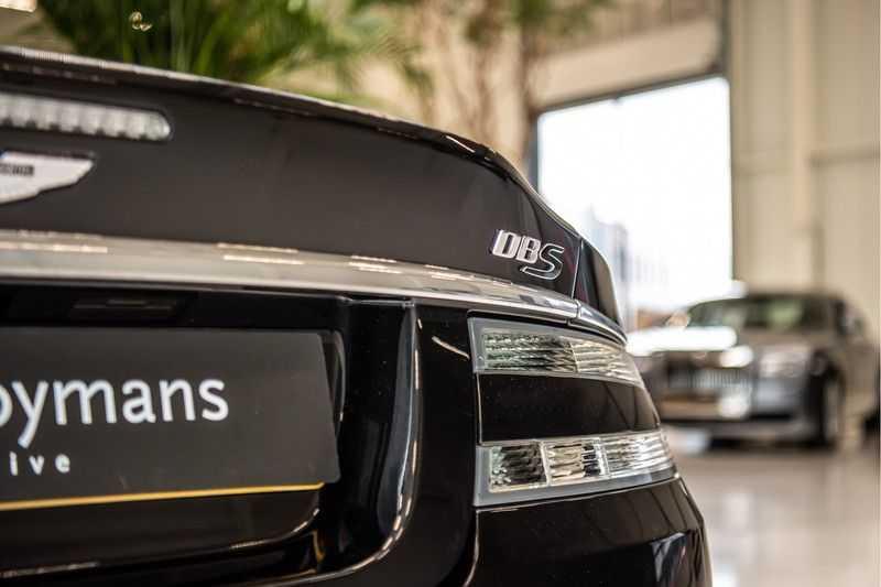 Aston Martin DBS Volante 6.0 V12 Black Carbon Edition afbeelding 8