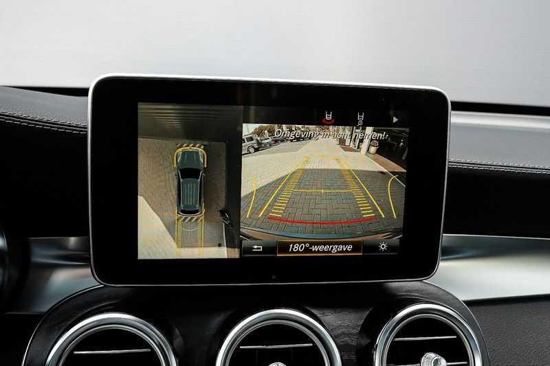 Mercedes-Benz GLC 250 4MATIC Sport Edition AMG Pano Trekhaak Camera 360° afbeelding 18