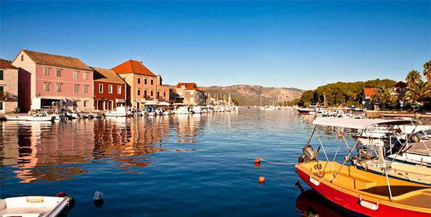 Experience Croatian contrasts with luxury yacht charters to Hvar