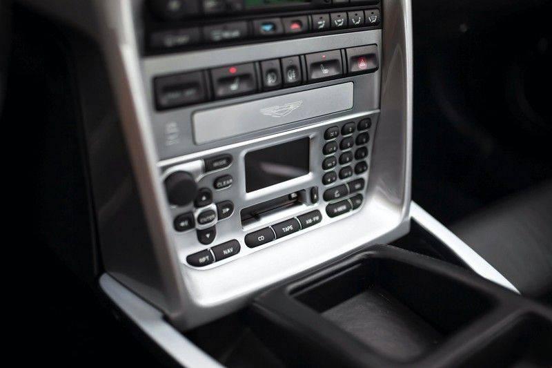 Aston Martin V12 Vanquish 5.9 *Absolute nieuwstaat!* afbeelding 17