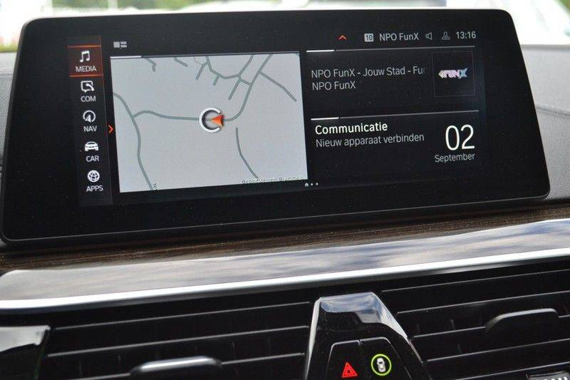 BMW 5 Serie 530i xDrive Luxury Line Facelift afbeelding 13
