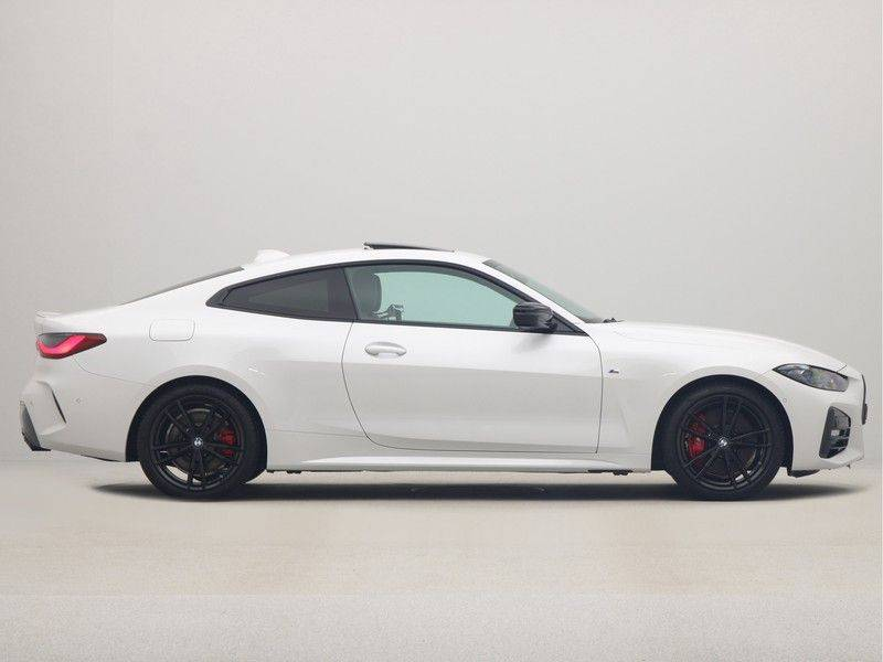 BMW 4 Serie Coupé 420i High Executive M-Sport Automaat afbeelding 8