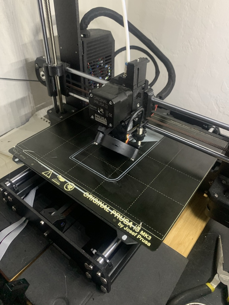3d printer printing the front
