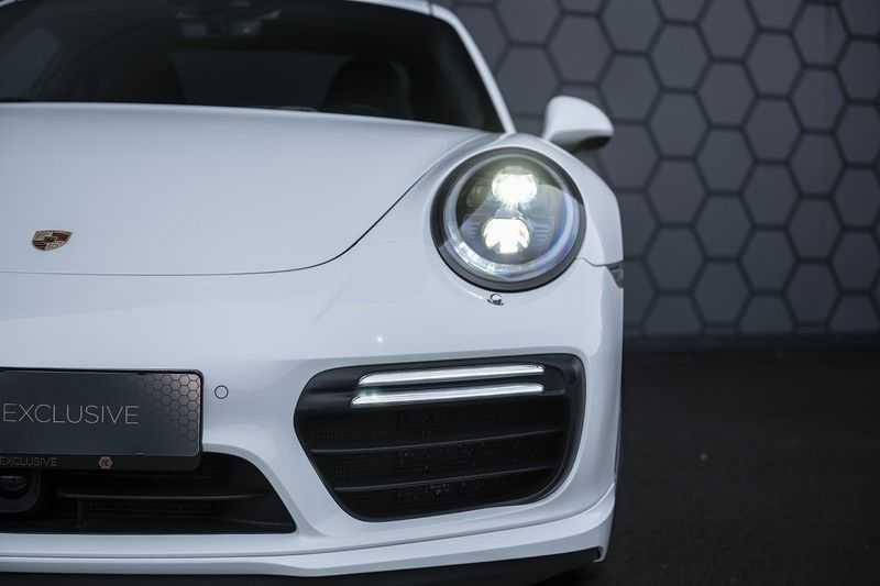 Porsche 911 Turbo S 991.2 3.8 Carbon seats + Keramisch + 4-wiel best. + NP € 331.000,- + Dak + Carbon + Bose + Carplay + ACC afbeelding 8