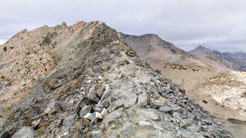 Knife's edge of Glen Pass