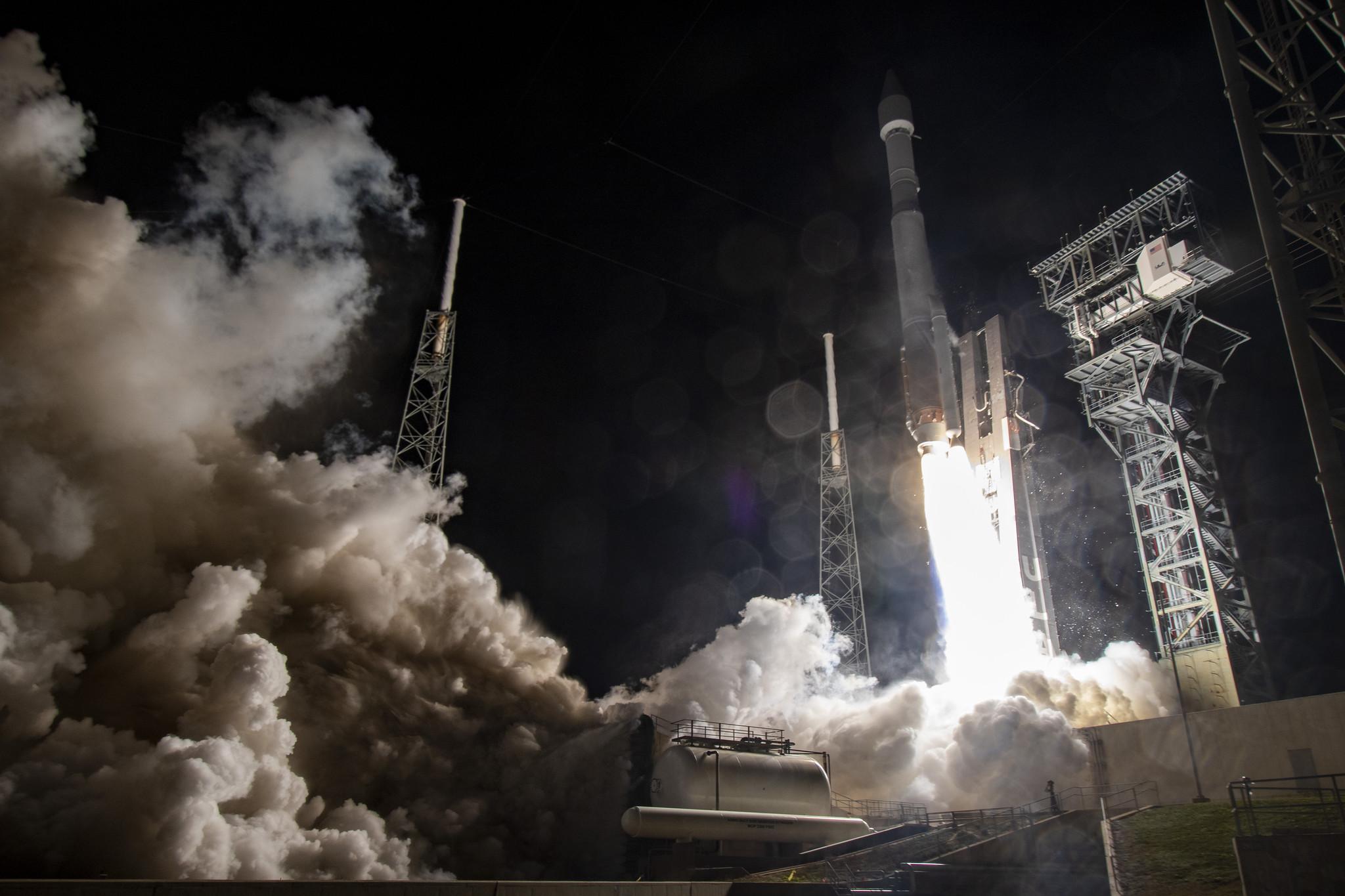 Figure 1: Racheta Atlas V în configurația 411, lansând sonda europeană Solar Orbiter (Sursa: United Launch Alliance)