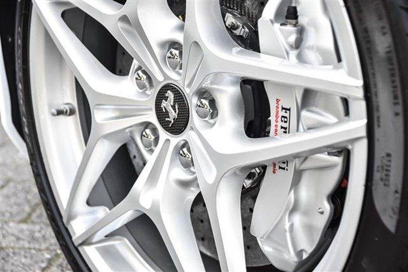 Ferrari California T HELE CARBON+DAYT.STOELEN NP.289K (15.DKM) afbeelding 5