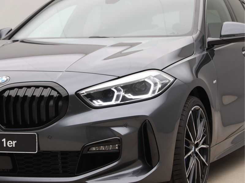 BMW 1 Serie 118i High Exe. M-Sport afbeelding 20