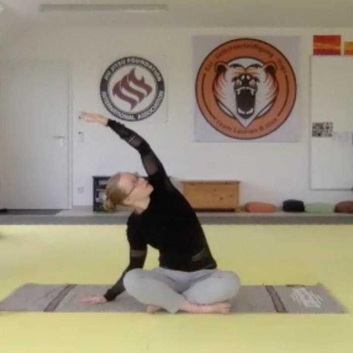 Virtuelles Yoga für deine mentale Gesundheit