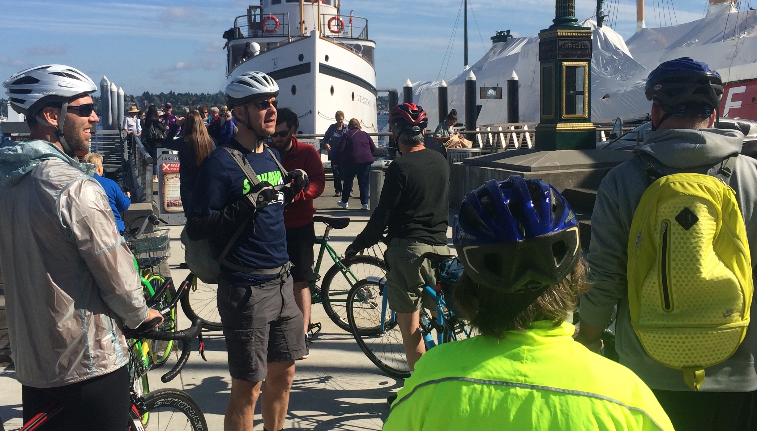 Photo showing the Tour Guide Leader Colin leading a bike tour at the Ballard Locks.