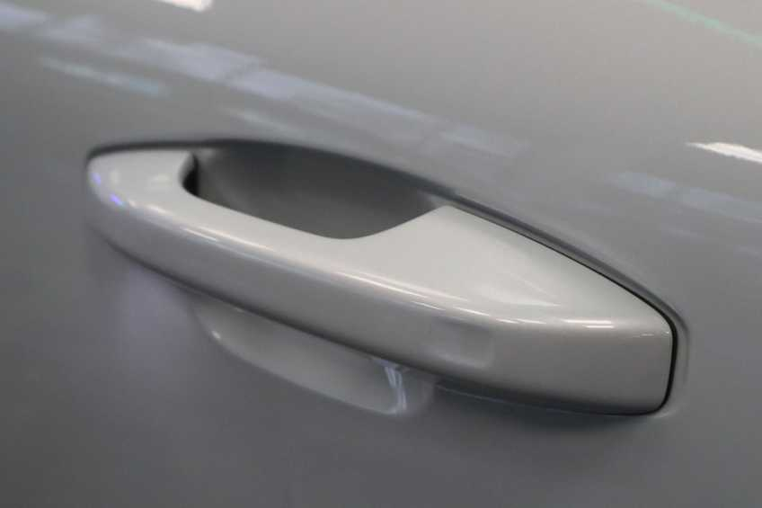 "Volvo XC40 Recharge P8 AWD R-Design | prijs ex.btw 55.987 | Panoramadak 360 Camera 20""LM 8% Bijtelling Direct Leverbaar afbeelding 3"