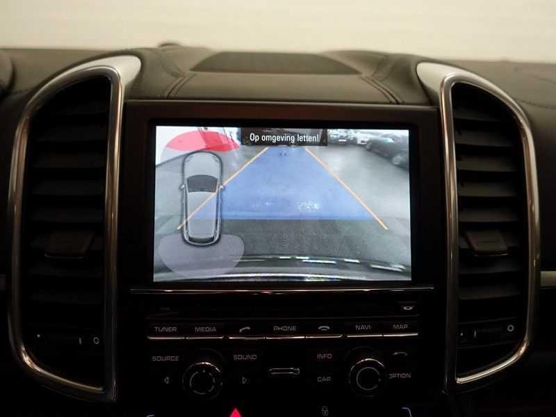 Porsche Cayenne 4.8 S 400pk Sport Chrono Tiptr Aut, Panoramadak, Leer, Camera, Black Edition afbeelding 5